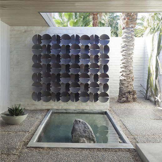 extérieur maison moderniste à Palm Spring